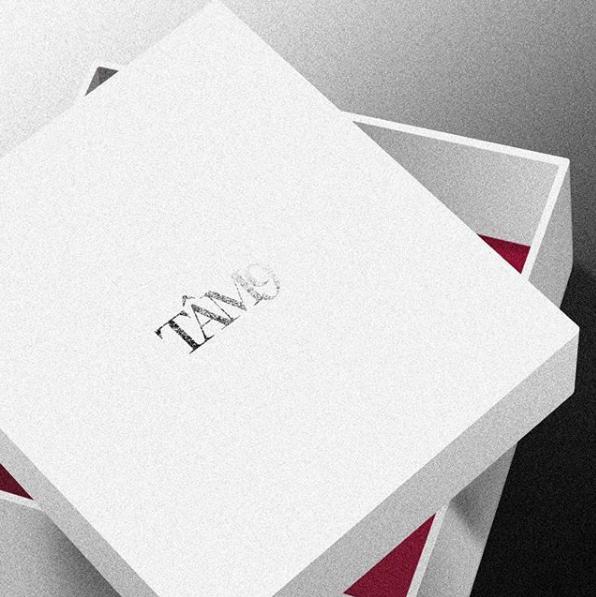 Không chỉ thiết kế băng cassette, fan Myta còn đầu tư hẳn một booklet chỉn chu để có thể thỏa sức nhìn thêm nhiều hình ảnh từ thần tượng trong dự án trở lại.