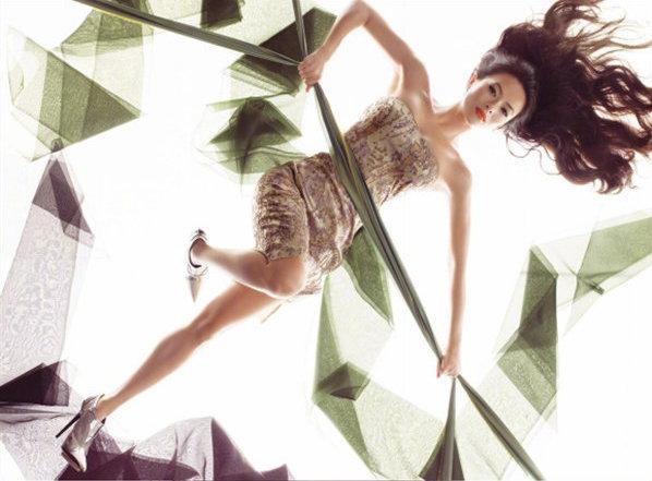 Những nữ minh tinh Trung Quốc xuất hiện trên tạp chí Vogue (Mỹ) được khen gợi đẹp như tranh ảnh 12
