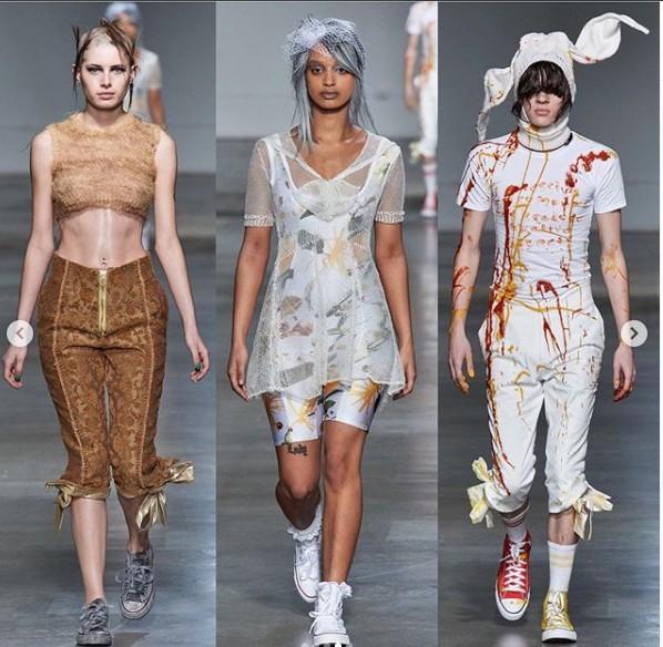 Những thiết kế của Fashion East không theo một quy chuẩn nào hết mà mang tính điên rồ trong sáng tạo là chủ yếu.