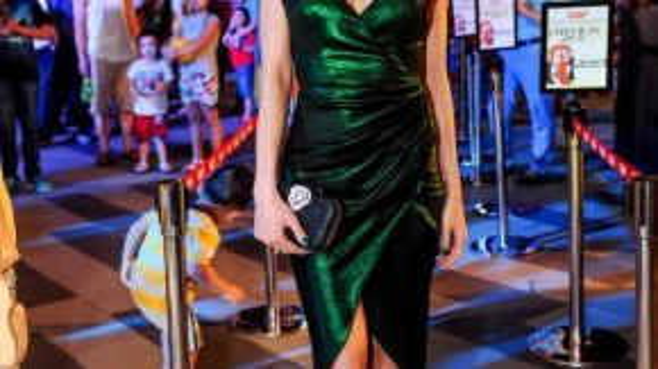 """Vũ Ngọc Anh – Top 5 """"Hoa hậu Việt Nam 2012"""", người tình tin đồn của nhà sản xuất Trần Bảo Sơn."""
