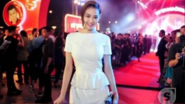Á hậu – người mẫu Linh Chi.