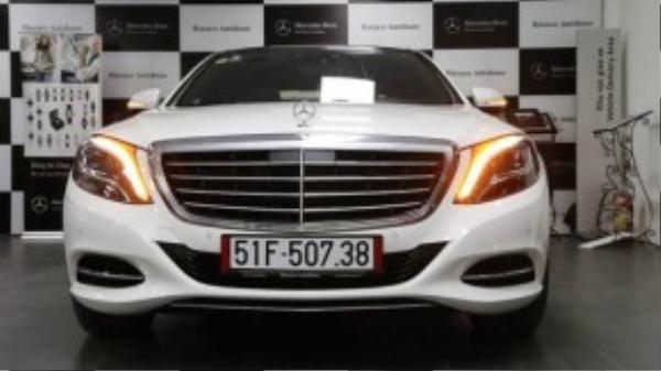 Xe có hệ thống ánh sáng LED thông minh, radio DAB kỹ thuật số và chìa khóa thông minh.