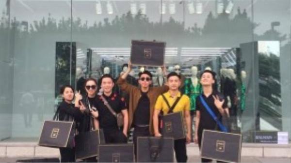 Tín đồ thời trang Việt thu được chiến lợi phẩm từ những cửa hàng hiệu trên thế giới.