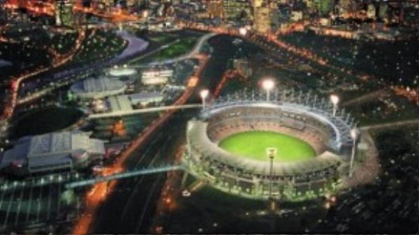 Melbourne Cricket Ground là sân vận động lớn nhất ở Úc và là một trong những sân vận động lớn nhất 10 trên hành tinh, với công suất trên 100.000 người.Với lối kiến trúc lạ mắt, đây cũng là địa điểm đáng để bạn quan tâm.