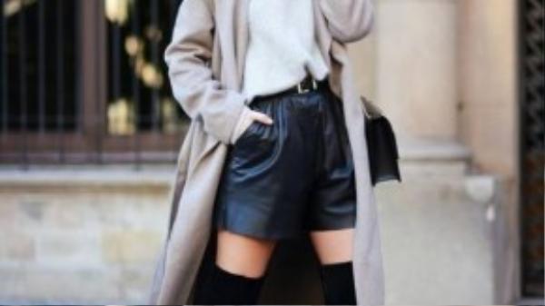 Bạn nên chú trọng nhiều hơn tới các lớp layer và những chiếc áo oversized. Chúng đều mang lại những hiệu ứng tuyệt vời khi kết hợp với boots cao quá gối.