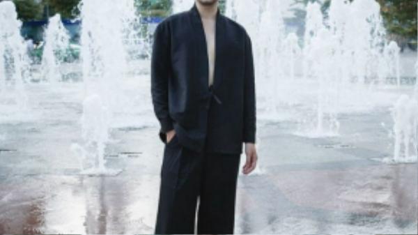 Long Ichi – biên tập viên thời trang gây ấn tượng với cách ăn mặc hợp thời.