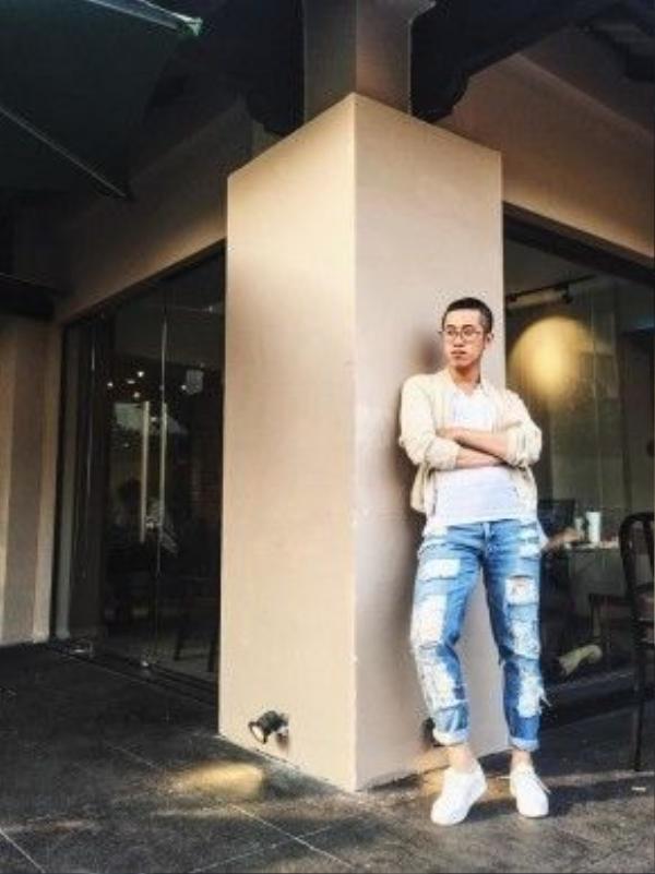 Blogger Hoàng Thịnh và chiếc quần jean cái bang độc đáo.