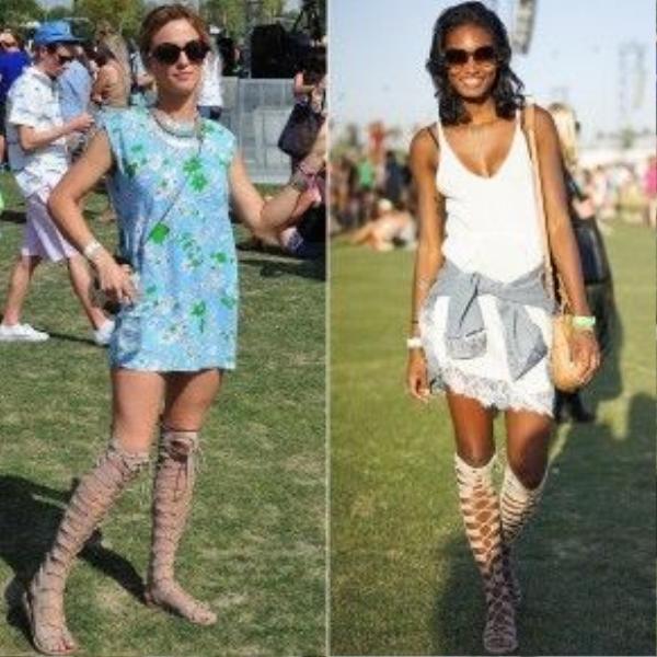 Hai phong cách điển hình thường thấy ở giới trẻ tại các lễ hội mùa hè. Có thể thấy đôi sandal chiến binh đã cộng thêm quá nhiều điểm cho những bộ đồ tưởng chừng như rất đơn giản thế này.