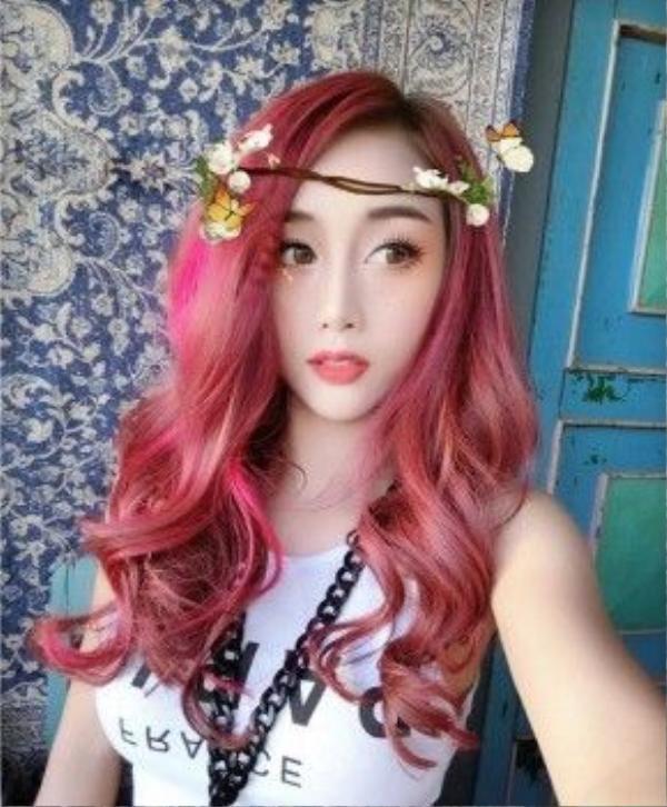 Yuu Quỳnh Nhi thơ mộng với tông tóc hồng