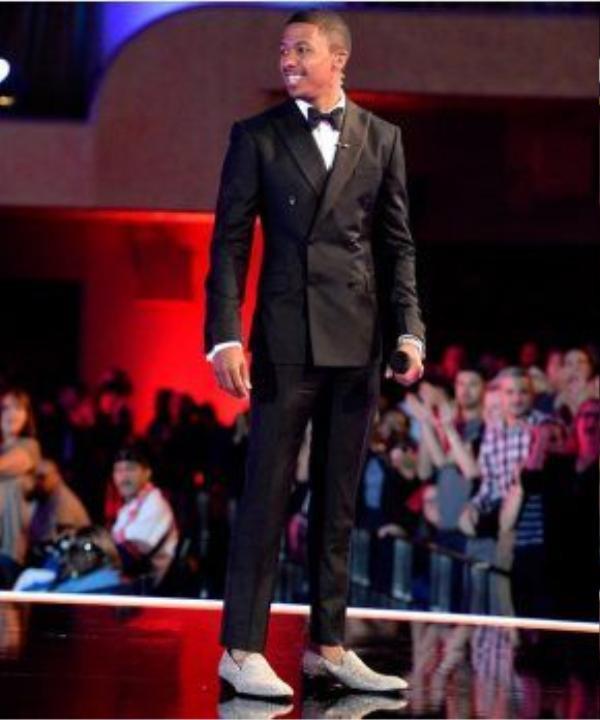 Nam diễn viên kiêm MC Nick Cannon đã đặt làm đôi giày này cho một cuộc thi chung kết tài năng âm nhạc lớn nhất nước Mỹ.