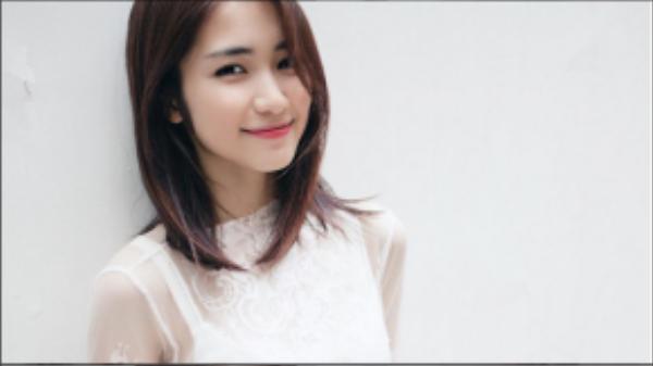 Giờ đây Hòa Minzy đã vô cùng tự tin với làn da mịn màng của mình.