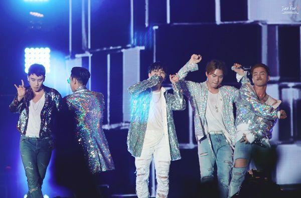 Nhà YG và dàn sao đình đám quẩy tưng bừng concert kỷ niệm 10 năm BigBang ảnh 8