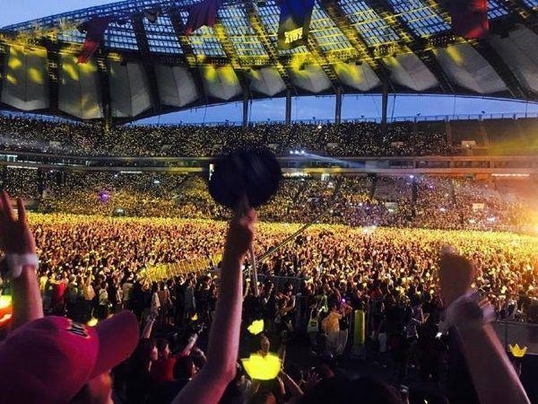 Nhà YG và dàn sao đình đám quẩy tưng bừng concert kỷ niệm 10 năm BigBang ảnh 12