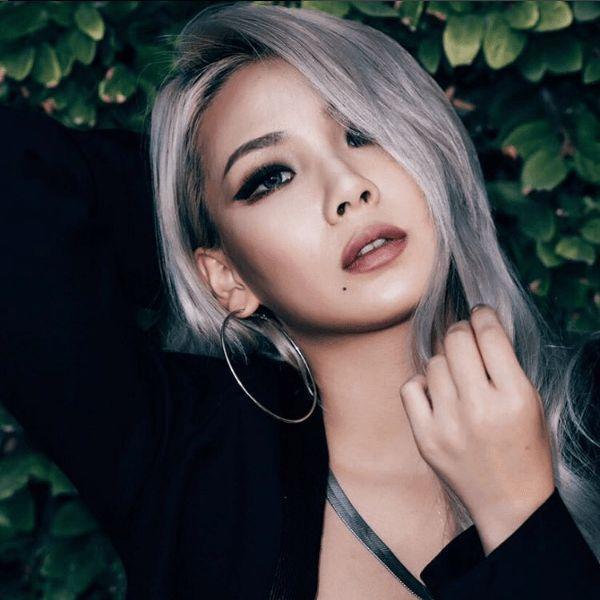 """Trưởng nhóm 2NE1- CL quyến rũ một cách """"bitchy"""" với màu tóc lông chuột. Cô nàng đã chất nay còn chất hơn với màu tóc này."""