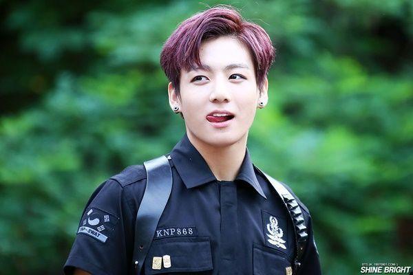 Jungkook - cậu em út tài năng của BTS.