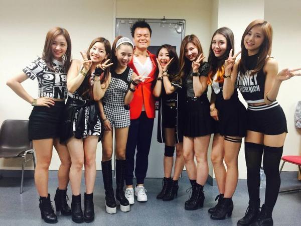 Không ít fan cho rằng, khoảng thời gian dài chăm chút cho TWICE của JYP…