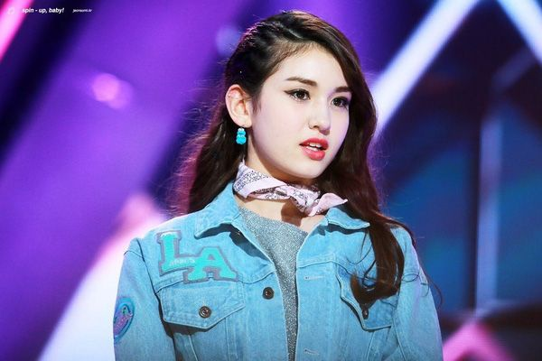 """Cư dân mạng ngay lập tức """"đổ rầm"""" trước nhan sắc lai Tây không tỳ vết của So Mi trong show Produce 101"""