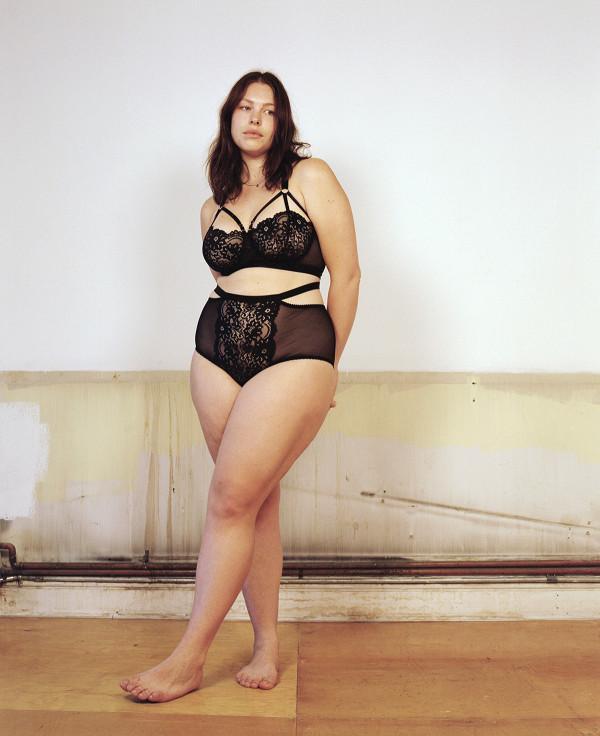 Hay diện size XXL, bạn vẫn có quyền tự tin về cơ thể của chính mình khi mặc đồ lót.