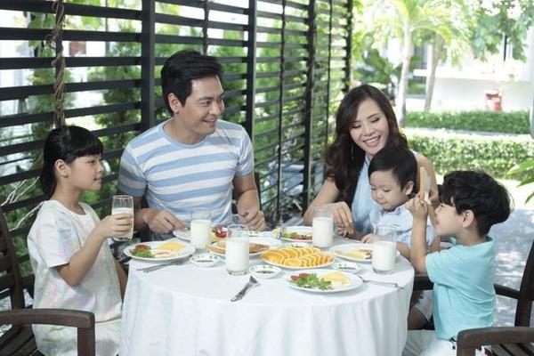 Bên cạnh sự nghiệp thành công thì anh còn có một gia đình nhỏ hạnh phúc mà không ít người ao ước.