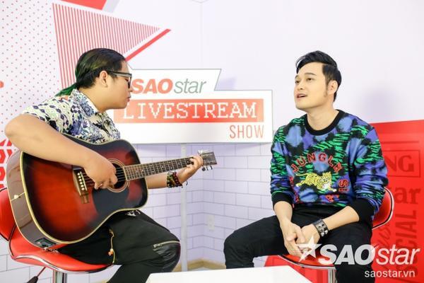 Buổi livestream trở nên thật gần khi Quang Vinh quyết định hát Dịu dàng đến từng phút giây (acoustic) theo yêu cầu từ độc giả.