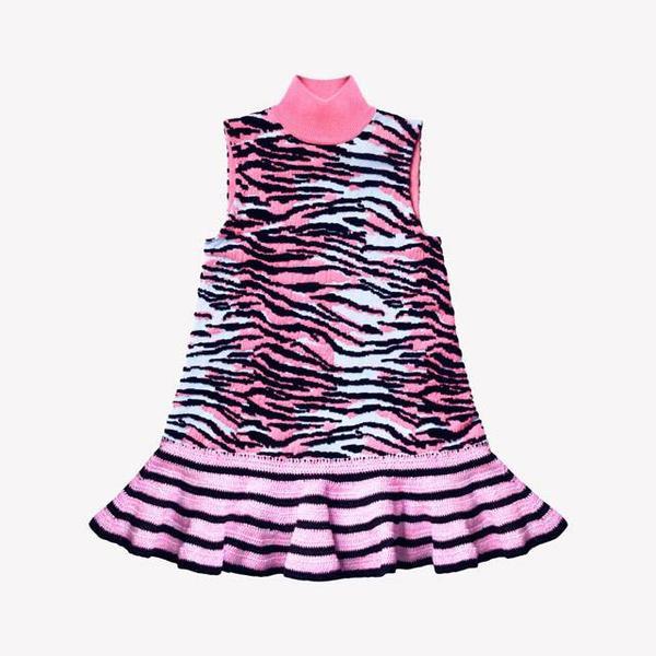 Váy len cổ 3 phần giá 2 triệu 300 ngàn đồng.
