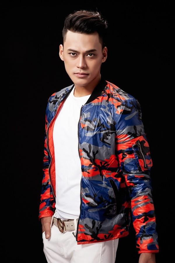 Với dự án lần này, bên cạnh 2 version song ca cùng với Võ Hạ Trâm và solo cá nhân thì Phan Ngọc Luân có đầu tư thực hiện một MV. KhiquayMV này, anhđã phải giảm cân cấp tốc với cường độ cao (5kg trong 2 tuần).
