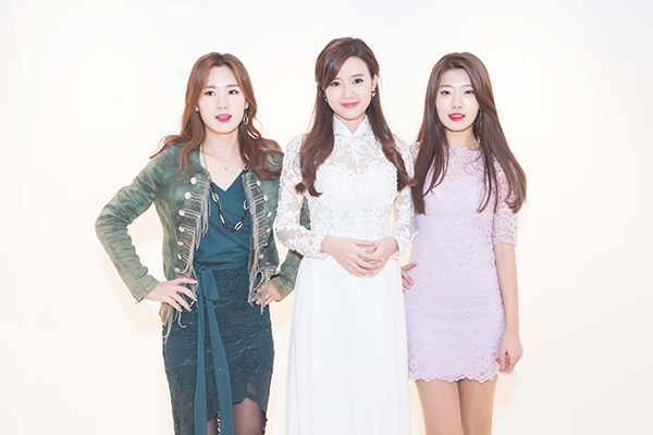 Các người đẹp ở Hàn Quốc và nước khác dành nhiều lời khen về Midu.