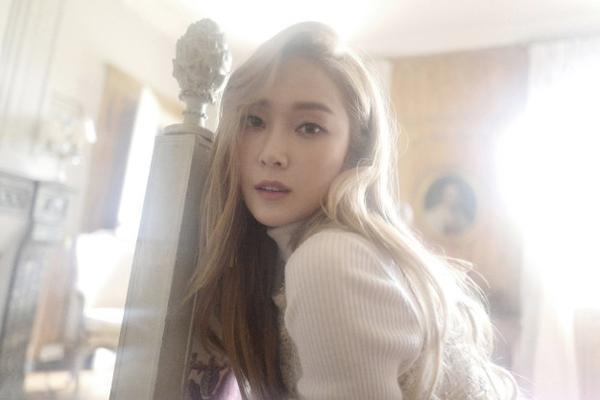 Hình ảnh của Jessica trong album mới nhất.