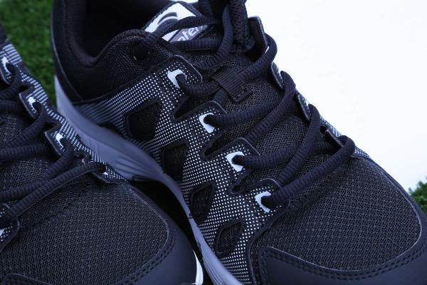 Danh tính của đôi giày gây tranh cãi thuộc về thương hiệu Biti's Hunter black có giá dưới 1 triệu của Việt Nam.