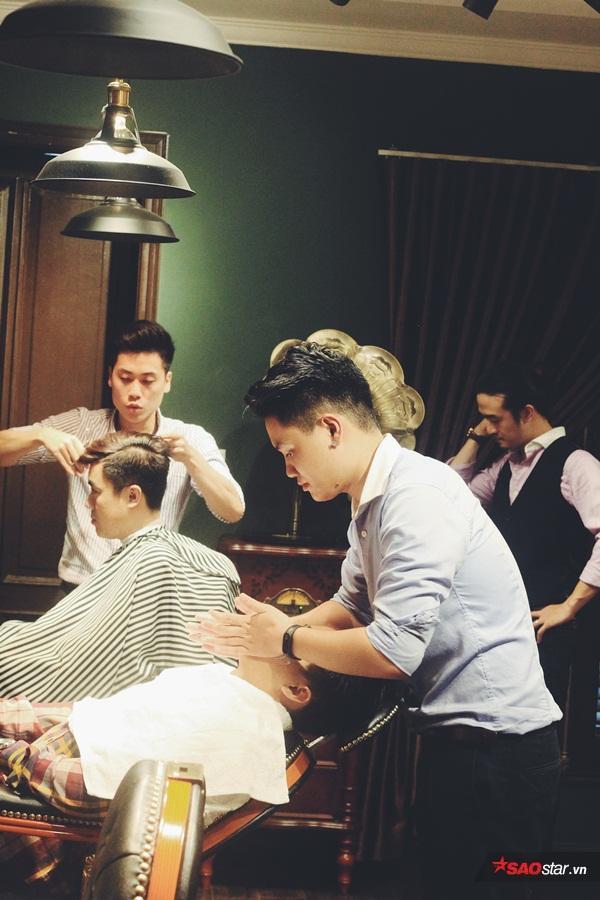 Barber (thợ cạo) luôn xử lý tóc theo phong cáchcổ điển.