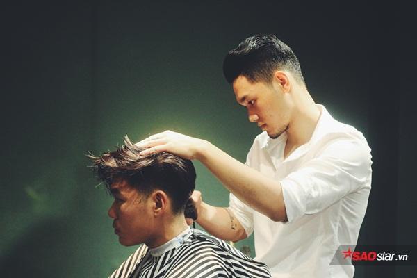 Chính vì vậyhọkhông thể phó thác mái tóc của mình cho một gã thợ cạo kém cỏi hay cẩu thả.