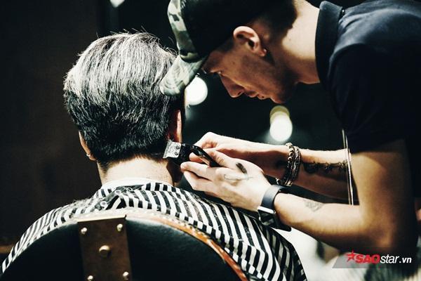 """Phương châm củaHouse of Barbaard: """"Phụ nữ đến với những Salon làm đẹp, Đàn ông chọn cho mình những Barber shop thực thụ"""""""