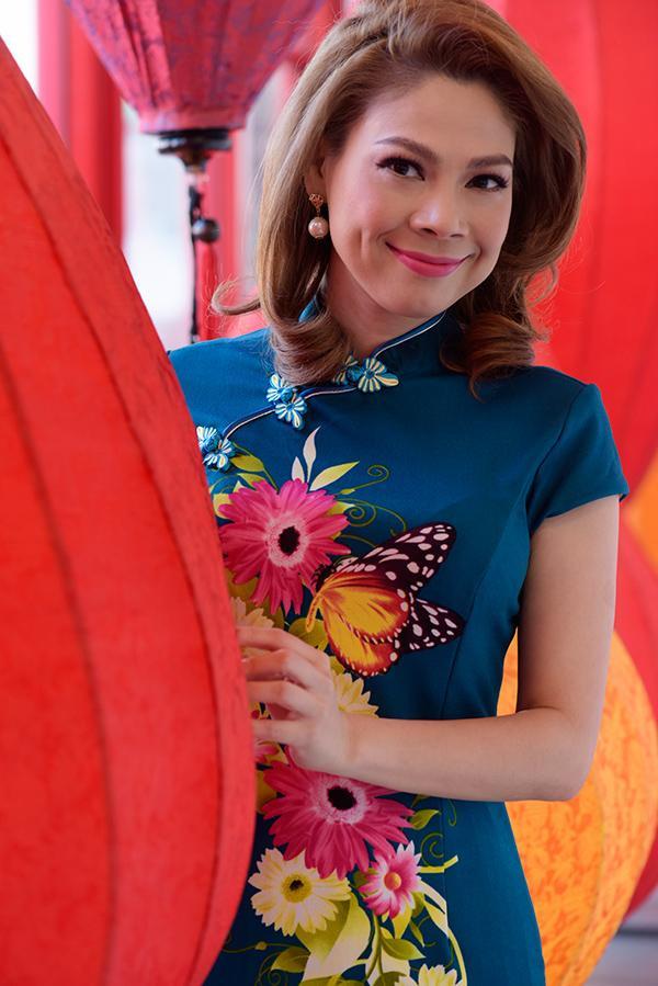 Đồng thời, cô còn tham gia vị trí khách mời trong liveshow của ca sĩ Quang Dũng.