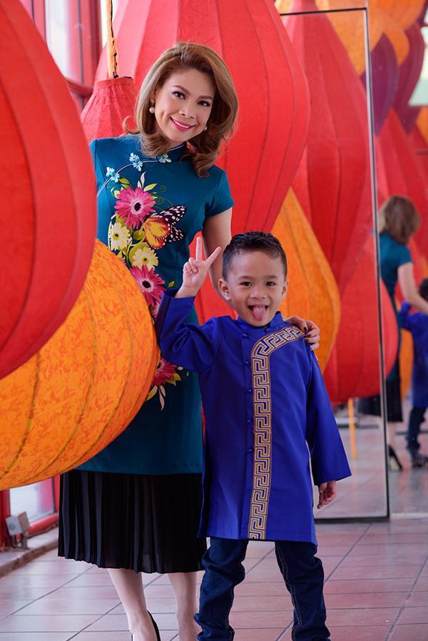 Bé Jacky Minh Trí tỏ ra thông minh và sống rất tình cảm với mẹ Thanh Thảo.