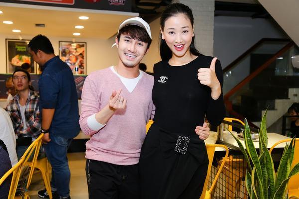 Maya chụp ảnh cùng nam diễn viên Huỳnh Lập.