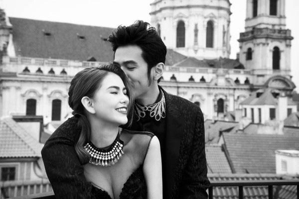 Khoảnh khắc ngọt ngào và đầy lãng mạn của cặp đôi khiến các fan không khỏi xuýt xoa, thậm chí là cảm thấy ghen tỵ.