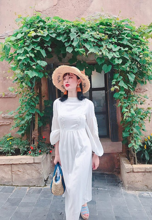 Dù bận rộn công việc nhưng mỗi khi có thời gian rảnh là Angela Phương Trinh lại đưa cả nhà đi du lịch.