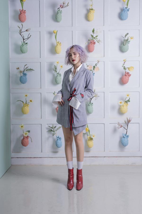 Với hình ảnh mới này, Phương Ly ngày càng khẳng định được phong cách thời trang đa dạng cùng sự trưởng thành của mình.