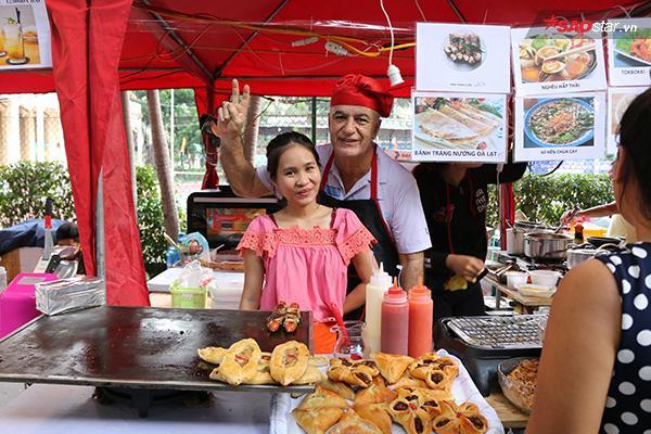 Các loại bánh tây cũng được bày bán trong buổi hội chợ để khiến các tín đồ ẩm thực thích thú vô cùng.