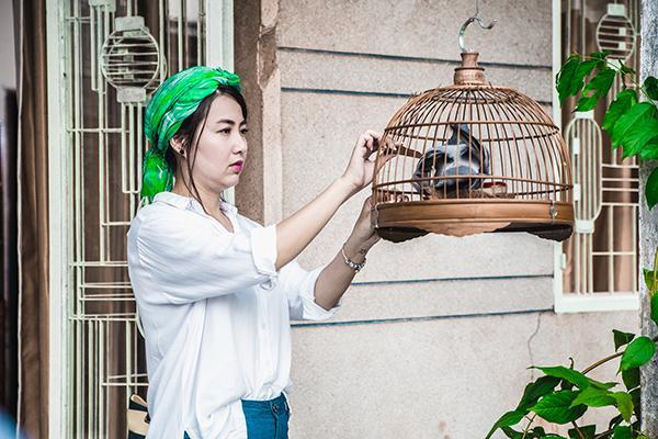 Bước sang tuổi 35, gương mặt hài quốc dân Lê Khánh vẫn trẻ trung, xinh đẹp và ngày càng duyên dáng hơn trong diễn xuất.