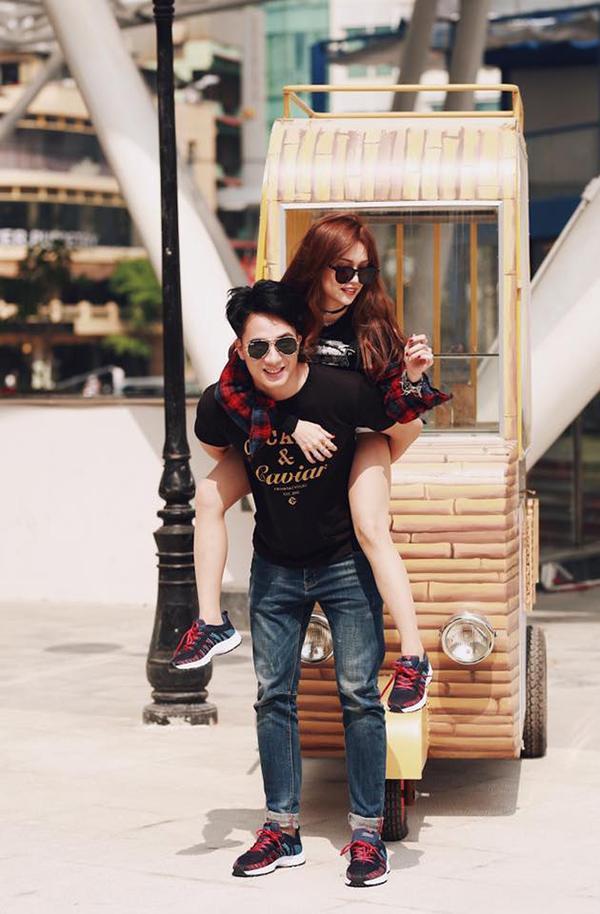 Hạo Đông, sinh năm 1992, là người mẫu tự do đến từ Hà Nội.