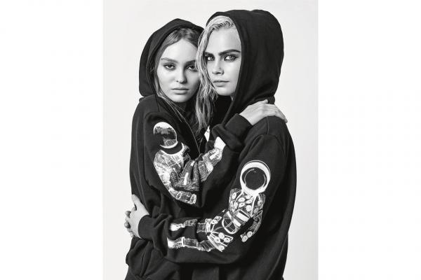 Sự tái hợp của hai gương mặt chẳng còn xa lại gì trong các chiến dịch của Chanel, nay tái xuất trong bộ ảnh mới đầy ấn tượng.