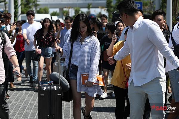 Mina tỏ ra rất hào hứng với chuyến đi đến Việt Nam lần này.