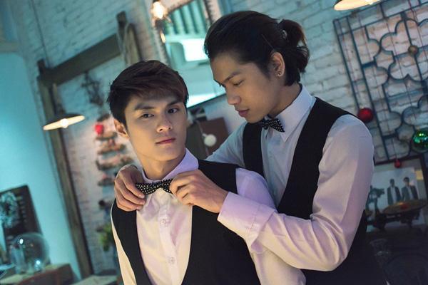 Các tác phẩm này càng khiến khán giả nghi ngờ về tình cảm giữa anh và Minh Hiền.