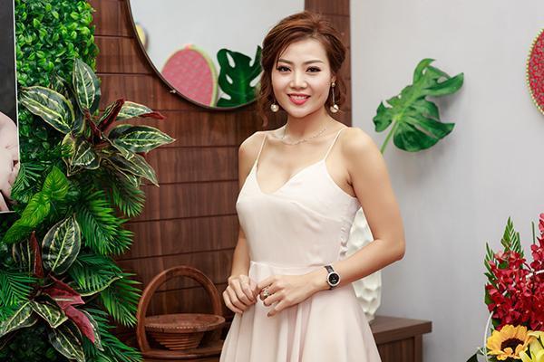 Thanh Hương khẳng định Việt Anh hay Vũ Duy Khánh chỉ là bạn bè, đồng nghiệp bình thường.