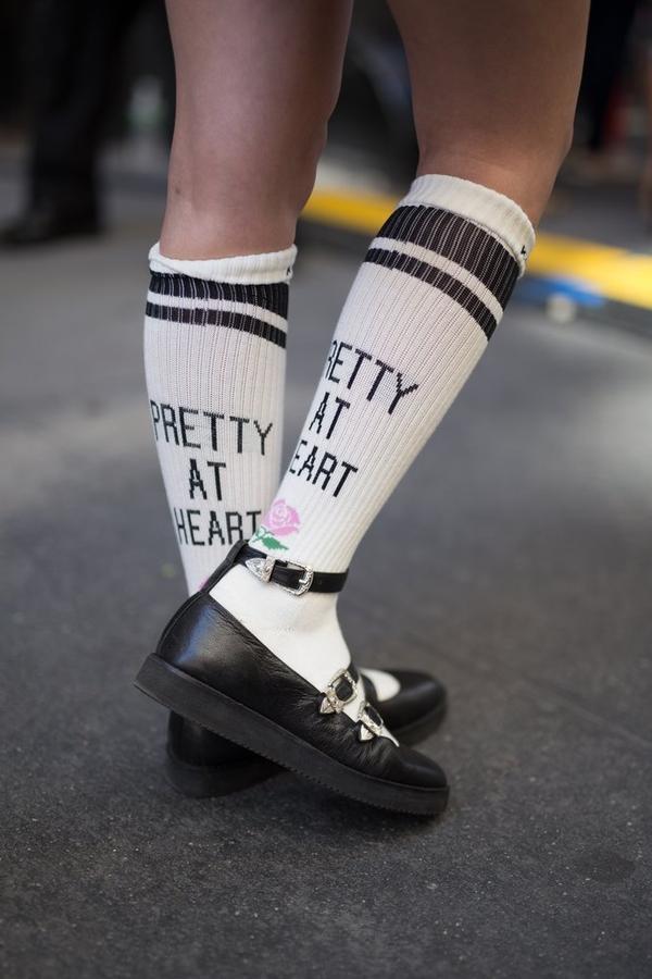 Để không bị quê độ khi kết hợp giày và tất, nhất định phải nắm được các  tips sau!