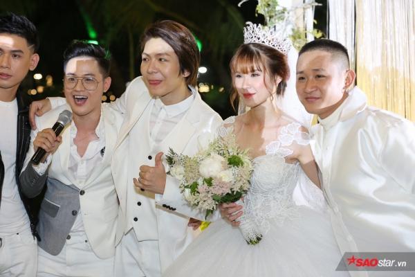 Trước đó, Đại Nhân, Thanh Duy và những người bạn thân thiết đều có đủ mặt trong tiệc cưới của Khởi My - Kelvin Khánh.