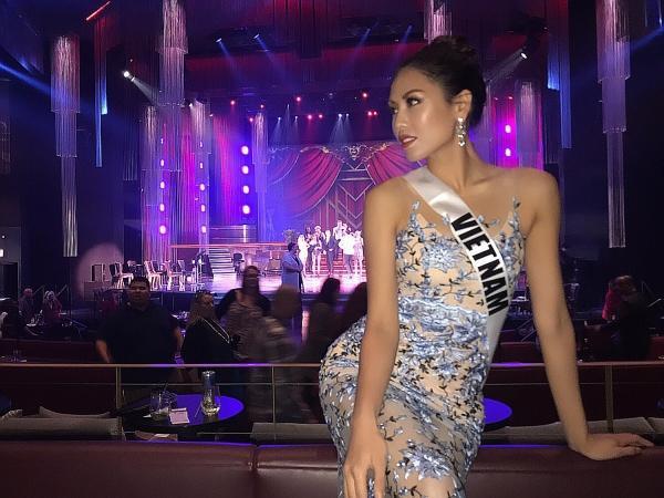 Nhan sắc thuần Việt, thanh lịch nhưng vô cùng quyến rũ của Á hậu các dân tộc Việt Nam giúp cô nhận được sự chú ý từ những nhà tài trợ trong cuộc thi.