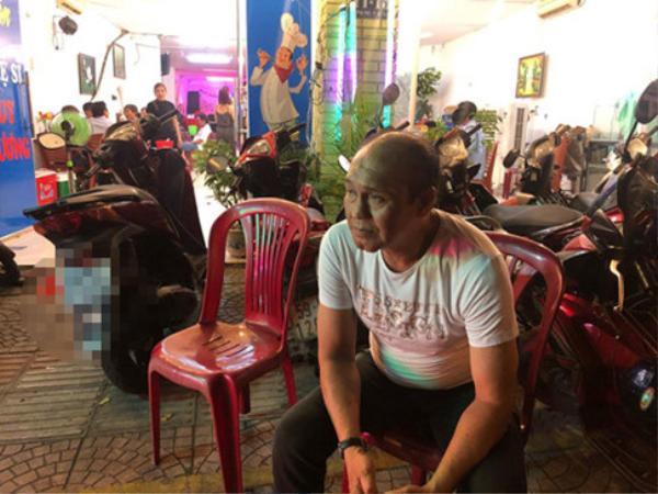 Nghệ sĩ Duy Phương tâm sự mấy ngày nay khách cũng bắt đầu trở lại, dù không nhiều nhưng đã qua được cảnh không một bóng người.