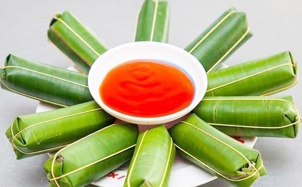 Không ai rõ nem chua xuất hiện ở Thanh Hóa khi nào, chỉ biết từ những năm 70 của thế kỷ trước, vùng đất này đã có 4-5 cơ sở sản xuất và kinh doanh nem chua.